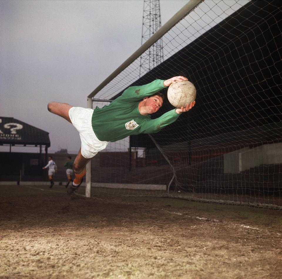 Tony Waiters in action for the Seasiders, circa 1960 - Don Morley/Getty Images