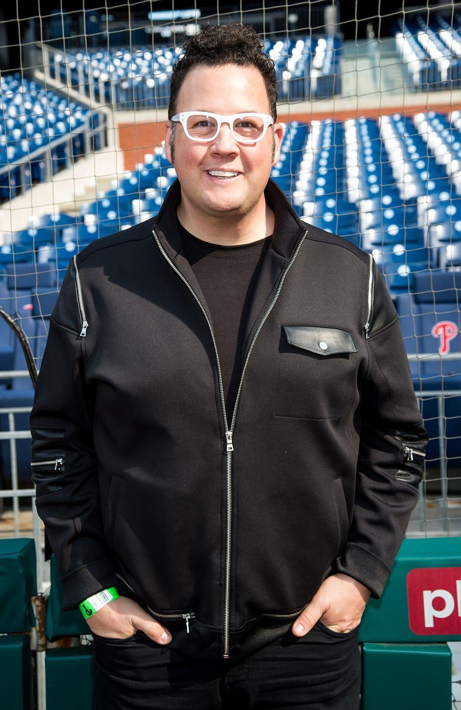 """<p>Graham chose a sleeve gastrectomy, which reduces the size of the stomach, so he could still continue to do his job and not reduce his diet. """"Because of my line of work, the doctor specifically thinks this is the surgery best suited for me,"""" he told <em><a href=""""https://people.com/celebrity/graham-elliot-undergoes-weight-loss-surgery/"""" rel=""""nofollow noopener"""" target=""""_blank"""" data-ylk=""""slk:People"""" class=""""link rapid-noclick-resp"""">People</a></em>. """"With gastric bypass and other surgeries, there's some ingredients you can't eat because it will cause you to get sick. This procedure will allow me to still taste and try everything.""""</p>"""