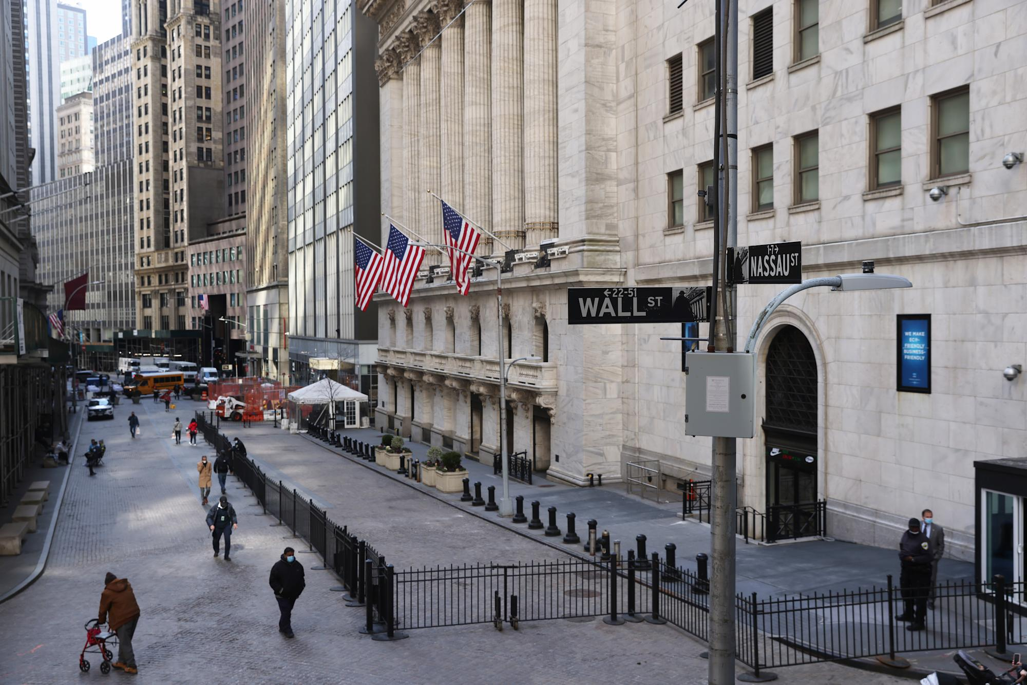 Stock market news live updates: Stock futures retreat after S&P 500 logs new record high – Yahoo Finance