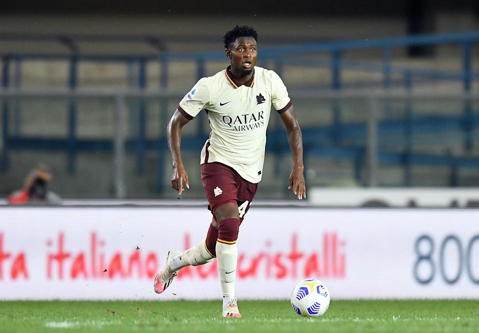 VERONA, ITALY - SEPTEMBER 19: Amodou Diawara of AS Roma in action during the Serie A match between Hellas Verona FC and AS Roma at Stadio Marcantonio Bentegodi on September 19, 2020 in Verona, Italy. (Photo by Alessandro Sabattini/Getty Images)