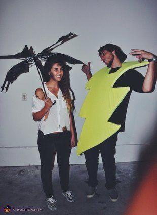 """Vía <a href=""""http://www.costume-works.com/costumes_for_couples/struck_with_lightning.html"""" target=""""_blank"""">Costume-Works.com</a>"""