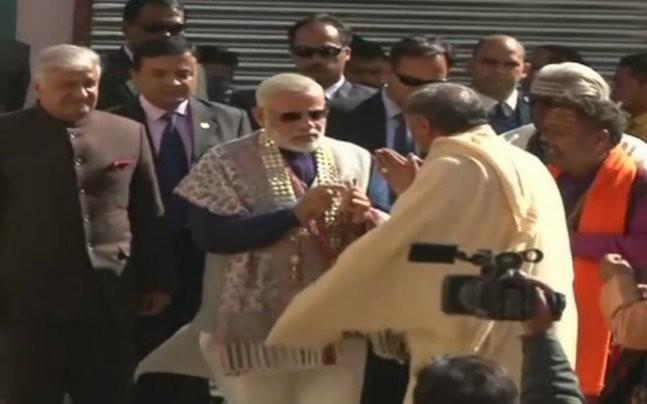 <p>PM's visit comes a day before the closing of the portals of the shrine ahead of winters.</p>