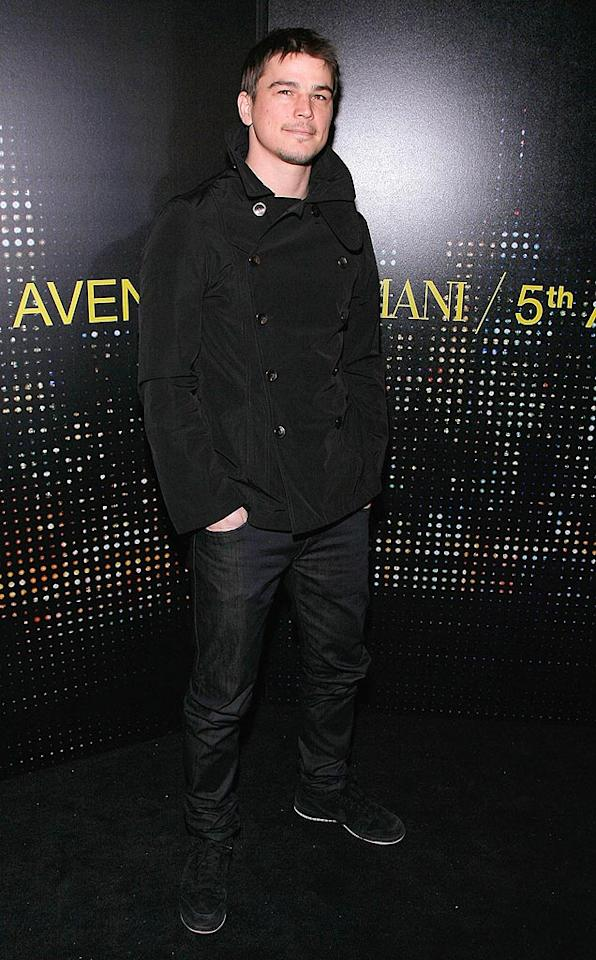 """Josh Hartnett channeled Johnny Cash in an all-black ensemble. Jemal Countess/<a href=""""http://www.wireimage.com"""" target=""""new"""">WireImage.com</a> - February 17, 2009"""