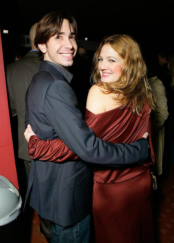 """How cute are Justin Long and Drew Barrymore? They're all smiles! Todd Williamson/<a href=""""http://www.wireimage.com"""" target=""""new"""">WireImage.com</a> - January 28, 2008"""