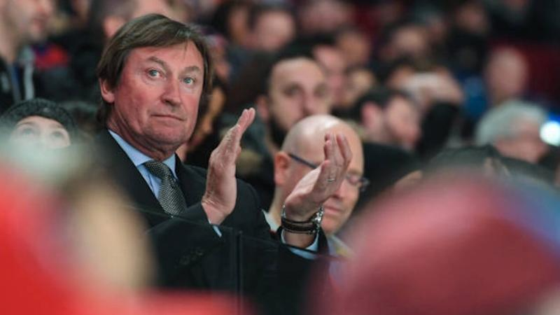 Can Ovechkin catch Gretzky? 'The Great One' rooting for him