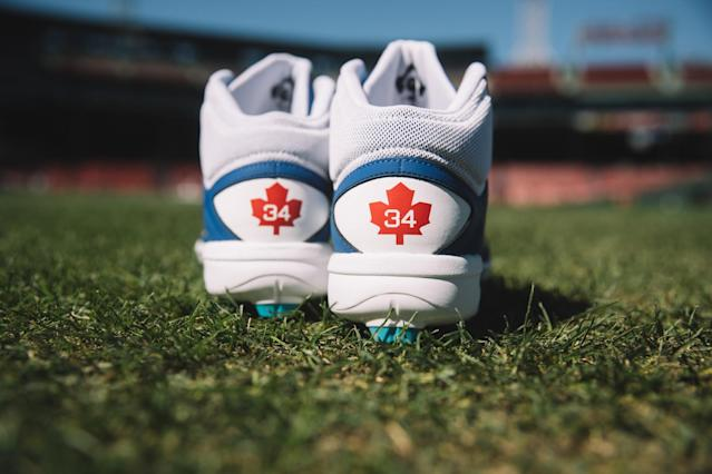 Hello, Maple Leaf. (New Balance)