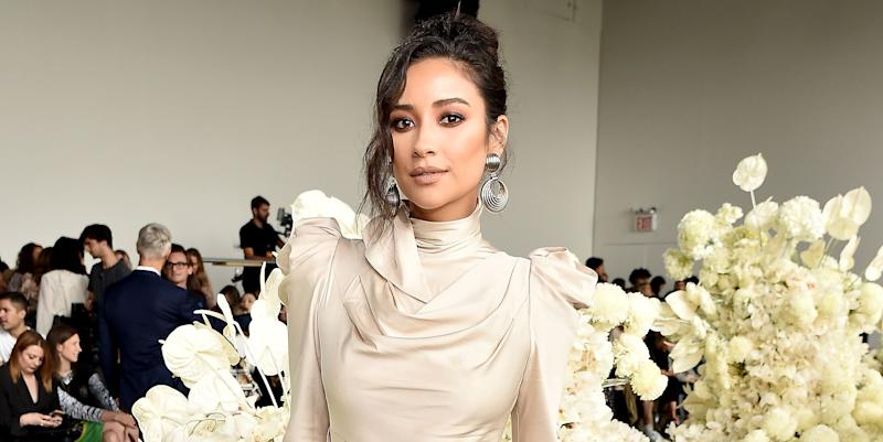 Pretty Little Liars Alums React To Shay Mitchell's Pregnancy Announcment