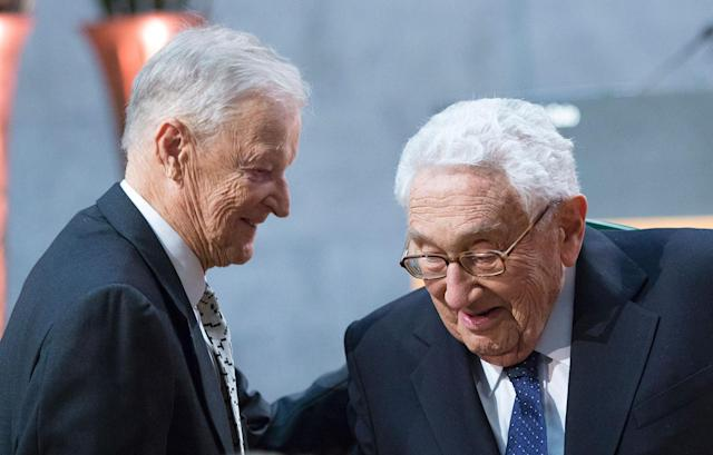 <p>Former National Security Advisor Zbigniew Brzezinski (L) and Former Secretary of State Henry Kissinger are pictured at the Nobel Peace Prize Forum in Oslo, Norway on Dec. 11, 2016. (Photo: Terje Bendiksby/AFP/Getty Images) </p>