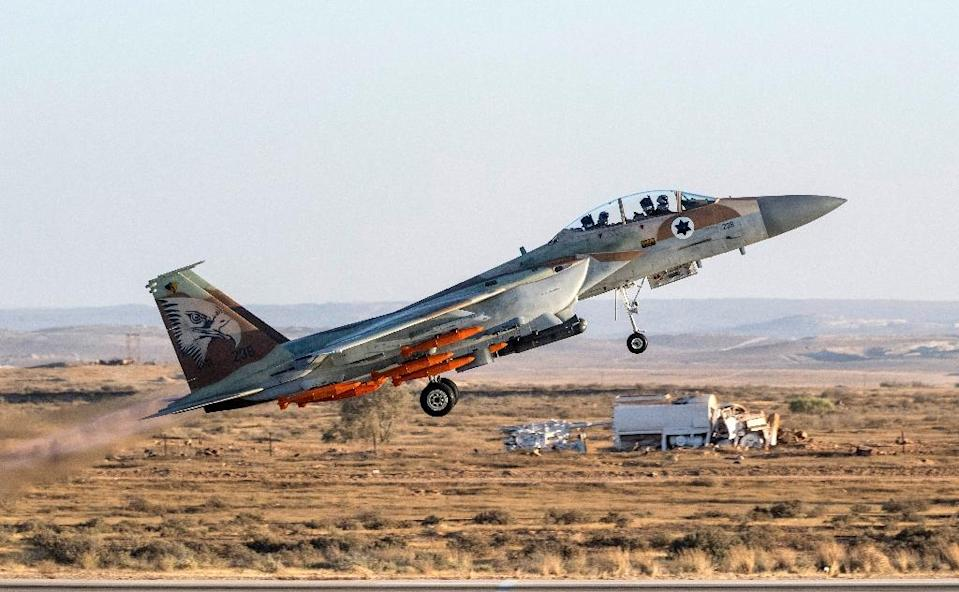An Israeli F-15 fighter jet takes off from Hatzerim airbase in the Negev desert on June 29, 2017 (AFP Photo/JACK GUEZ)