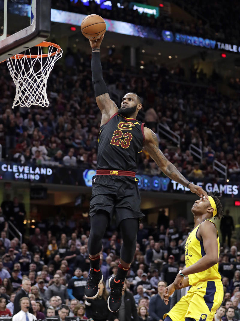 King's lair: LeBron scores 46, Cav even series with Pacers