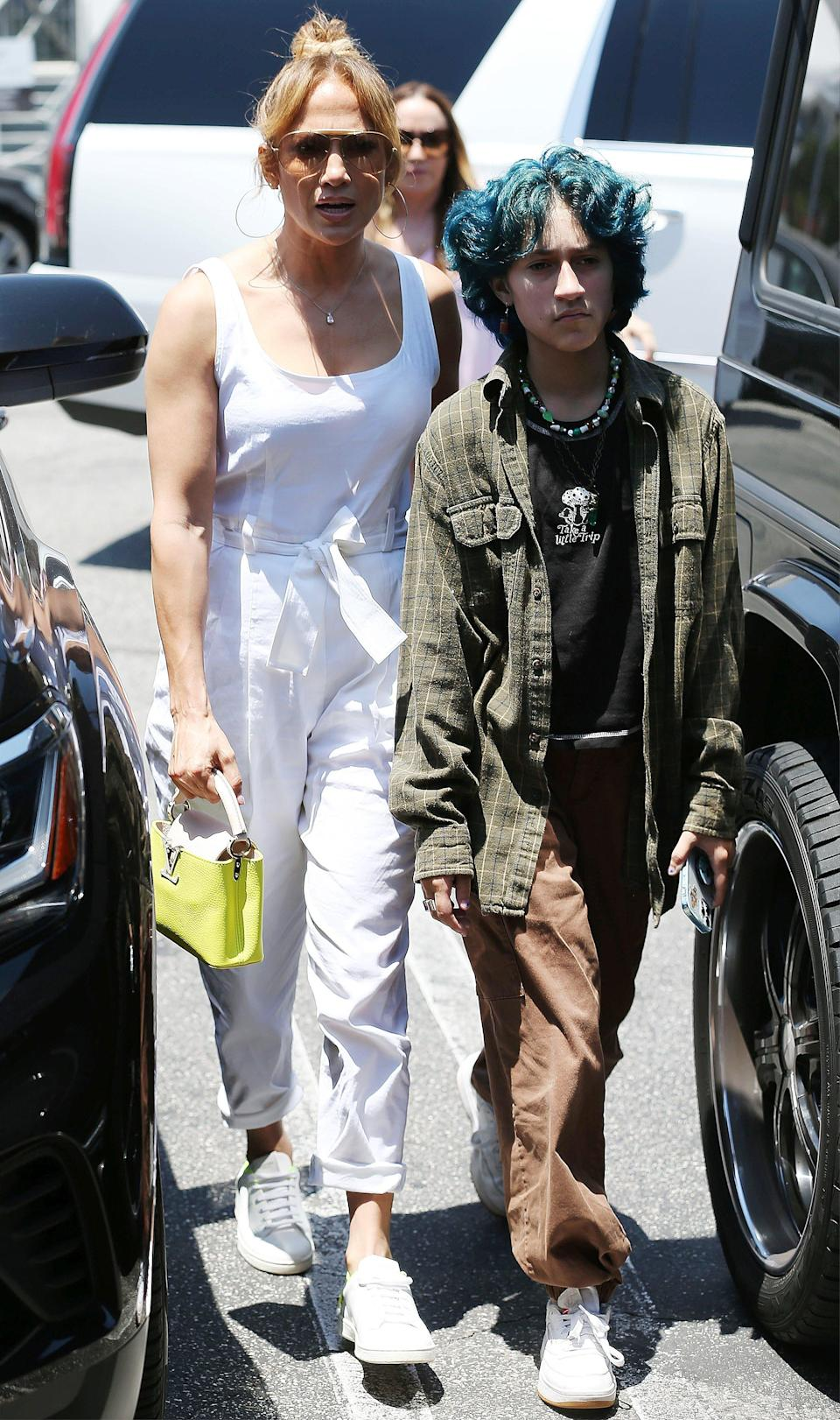 Jennifer Lopez and Ben Affleck go to lunch with their children at the Brentwood Country Mart. - Credit: MEGA