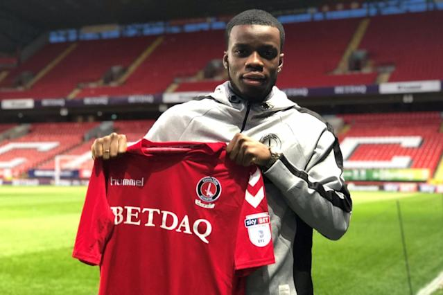 Arsenal youngster Stephy Mavididi joins Charlton Athletic on loan