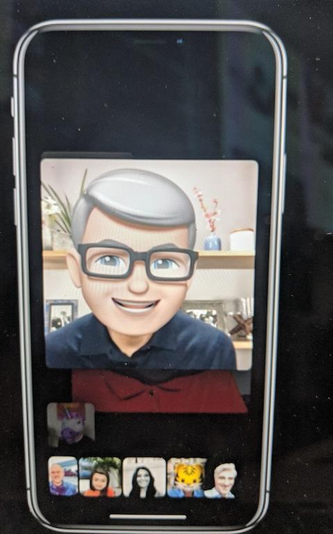 Yes, that's Tim Cook's Memoji on a group Facetime