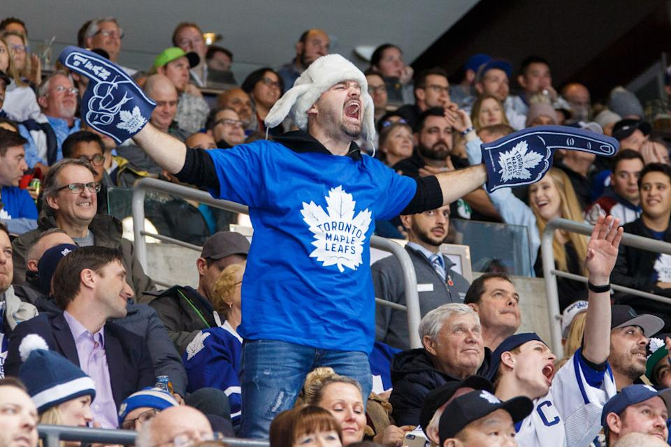 It's not official just yet, but MLSE is planning to have 100 percent crowd capacity at both Maple Leafs and Raptors home games this fall. (Getty)
