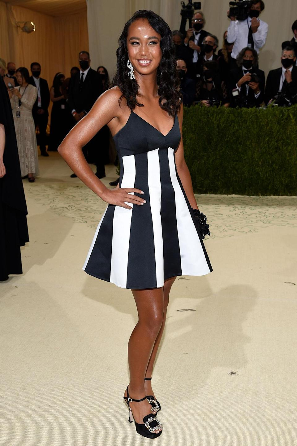 <p>The Canadian athlete, who came second in the US Open women's tennis tournament, attended her first Met Gala in Carolina Herrera.</p>
