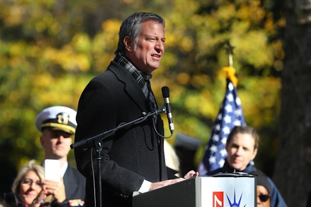 <p>New York City Mayor Bill de Blasio speaks at a ceremony before the Veterans Day parade in New York City on Nov. 11, 2017. (Photo: Gordon Donovan/Yahoo News) </p>