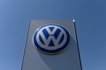 VW to pay US$100M, restate mileage in US gas-powered cars