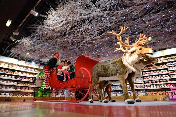 Consumer trend indicates strong push for online Christmas shopping, according to a survey. Photo: Justin Tallis/AFP via Getty Images
