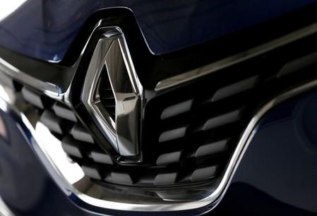 FILE PHOTO: The logo of French car manufacturer Renault is seen at a dealership of the company in Bordeaux