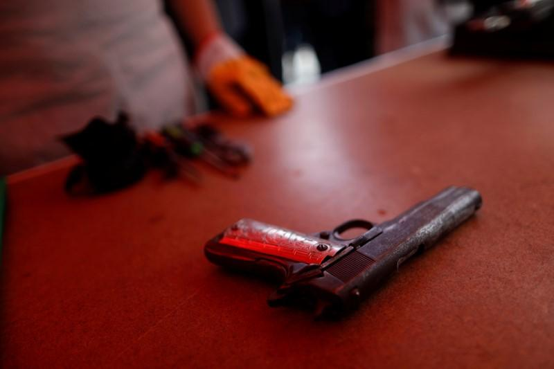 Mexico and U.S. plan to reduce illegal arms and drug trade