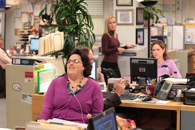 Wide shots showing the reactions of multiple characters at once were a huge source of humor.