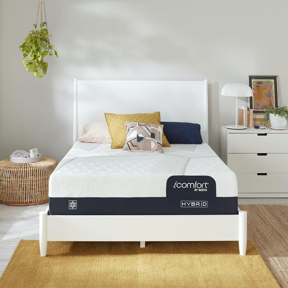 """<p><strong>Serta</strong></p><p>serta.com</p><p><strong>$709.00</strong></p><p><a href=""""https://go.redirectingat.com?id=74968X1596630&url=https%3A%2F%2Fwww.serta.com%2Fmattresses%2Ficomfort-hybrid%3Fvariant%3D500802178-1010&sref=https%3A%2F%2Fwww.elledecor.com%2Fshopping%2Fhome-accessories%2Fg37416286%2Fhome-decor-labor-day-sales-2021%2F"""" rel=""""nofollow noopener"""" target=""""_blank"""" data-ylk=""""slk:Shop Now"""" class=""""link rapid-noclick-resp"""">Shop Now</a></p><p>Now through September 13, you can save up to $1,000 on an iComfort Mattress or iComfort Hybrid Mattress at <a href=""""https://go.redirectingat.com?id=74968X1596630&url=https%3A%2F%2Fwww.serta.com%2F&sref=https%3A%2F%2Fwww.elledecor.com%2Fshopping%2Fhome-accessories%2Fg37416286%2Fhome-decor-labor-day-sales-2021%2F"""" rel=""""nofollow noopener"""" target=""""_blank"""" data-ylk=""""slk:Serta"""" class=""""link rapid-noclick-resp"""">Serta</a>. </p>"""