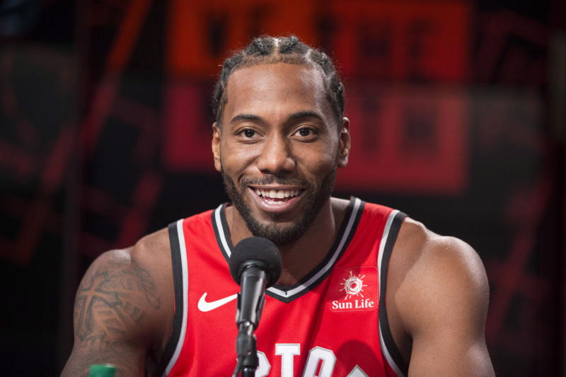 Raptors F Kawhi Leonard's Laugh Leaves Kevin Hart in Tears