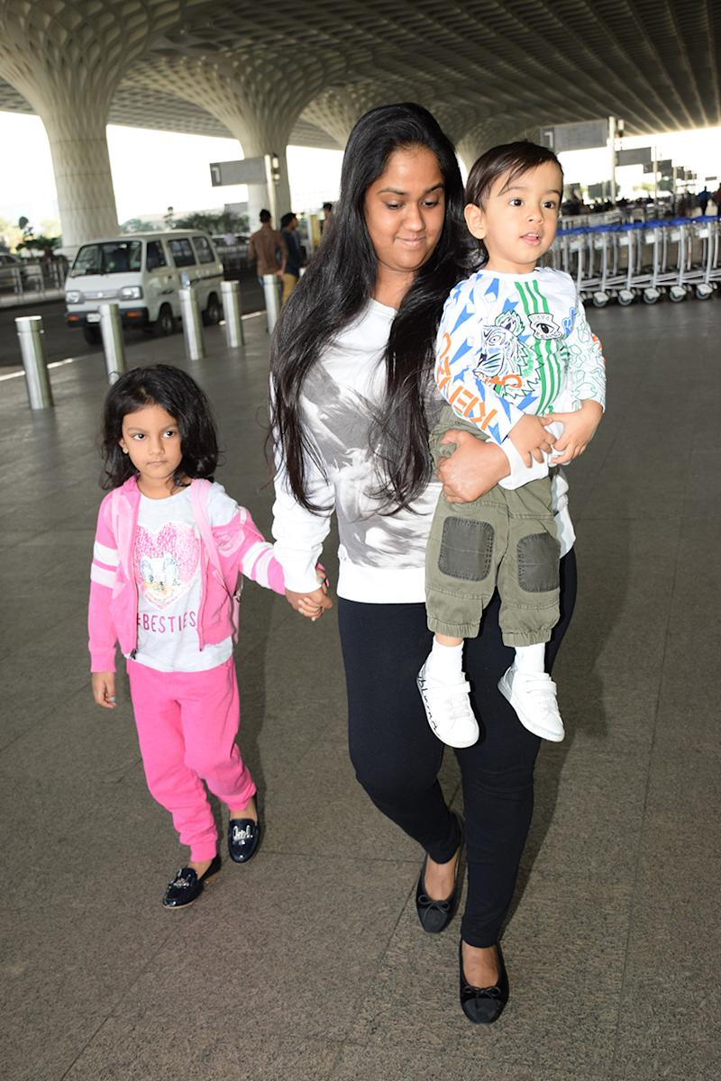 Arpita Khan snapped at Mumbai airport on December 28, 2017. (Image: Yogen Shah)