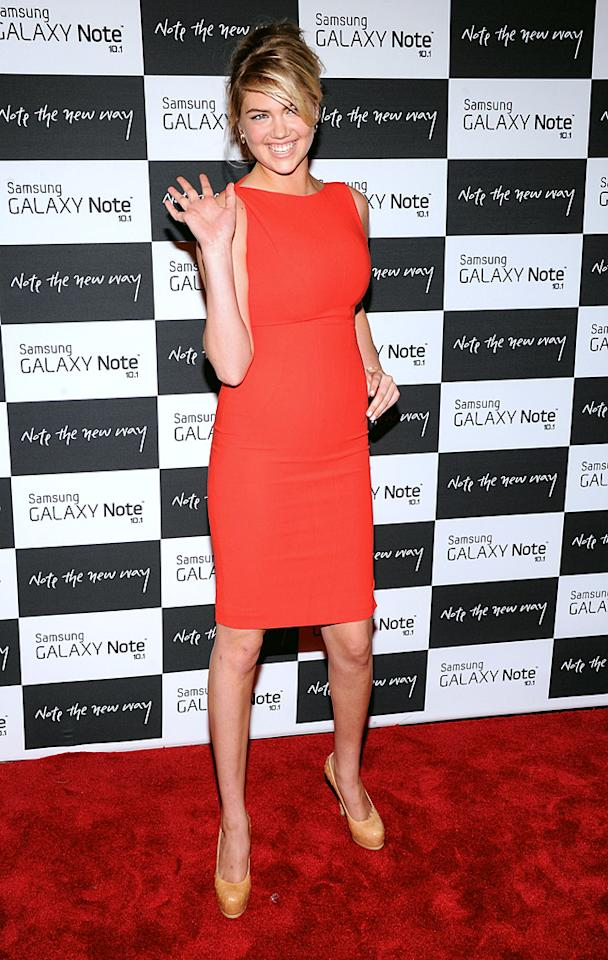 "Thumbs up or thumbs down for the simple Antonio Berardi sheath and nude Yves St. Laurent pumps -- worn by model Kate Upton -- to a Samsung soiree late last week? (8/15/2012)<br><br><a target=""_blank"" href=""http://omg.yahoo.com/blogs/aline/"">A-Line: Celebrity Style</a>"