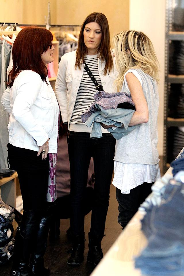 """""""Dexter"""" star Jennifer Carpenter gets some advice from the sales girl... Maybe she's asking which jeans she should pick up for her hubby (and co-star), Michael C. Hall? <a href=""""http://www.infdaily.com"""" target=""""new"""">INFDaily.com</a> - February 24, 2010"""