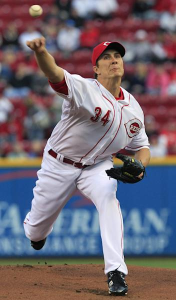 Cincinnati Reds starting pitcher Homer Bailey throws tp the Washington Nationals in the first inning of a baseball game, Friday, April 5, 2013, in Cincinnati. (AP Photo/Al Behrman)