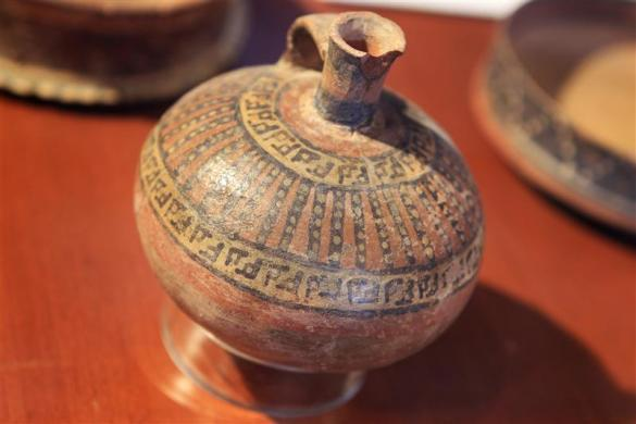 A recovered pre-Hispanic artifact is shown at the Foreign Ministry in Lima April 10, 2012. Peru's Foreign Ministry presented to the Ministry of Culture more than 200 archaeological pieces recovered from the U.S.