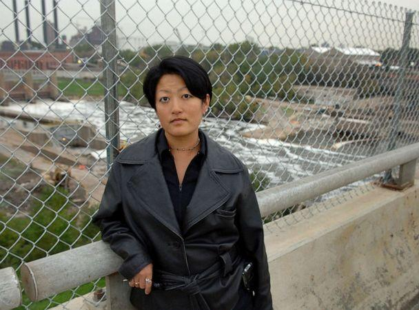 PHOTO: Kimberly J. Brown, a bridge collapse survivor, poses for a photograph in Minneapolis, Oct. 12, 2007. (Janet Hostetter/AP)