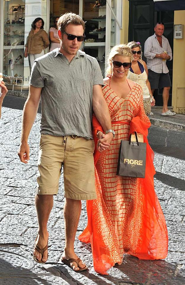 """Jessica Simpson spent her 30th birthday with her new boyfriend -- former San Francisco 49ers tight end Eric Johnson -- on the Italian island of Capri in July, and the two have been inseparable ever since. Simpson recently posted a pic of her beau on Twitter with the caption, """"I have a major crush on you."""" Awww. Grifoni Sarmiento/<a href=""""http://www.splashnewsonline.com/"""" target=""""new"""">Splash News</a> - July 9, 2010"""