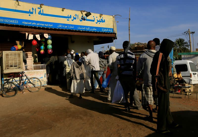 Sudan increases bread prices in Khartoum to help bakers