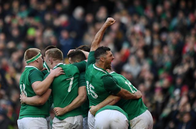 Rugby Union - Six Nations Championship - Ireland vs Wales - Aviva Stadium, Dublin, Republic of Ireland - February 24, 2018 Ireland's Rob Kearney celebrates with team mates after after their fifth try scored by Jacob Stockdale REUTERS/Clodagh Kilcoyne