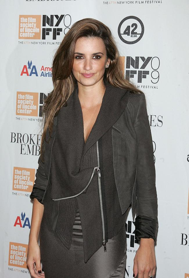 "<a href=""http://movies.yahoo.com/movie/contributor/1800019548"">Penelope Cruz</a> attends the New York Film Festival screening of <a href=""http://movies.yahoo.com/movie/1810039741/info"">Broken Embraces</a> - 10/11/2009"