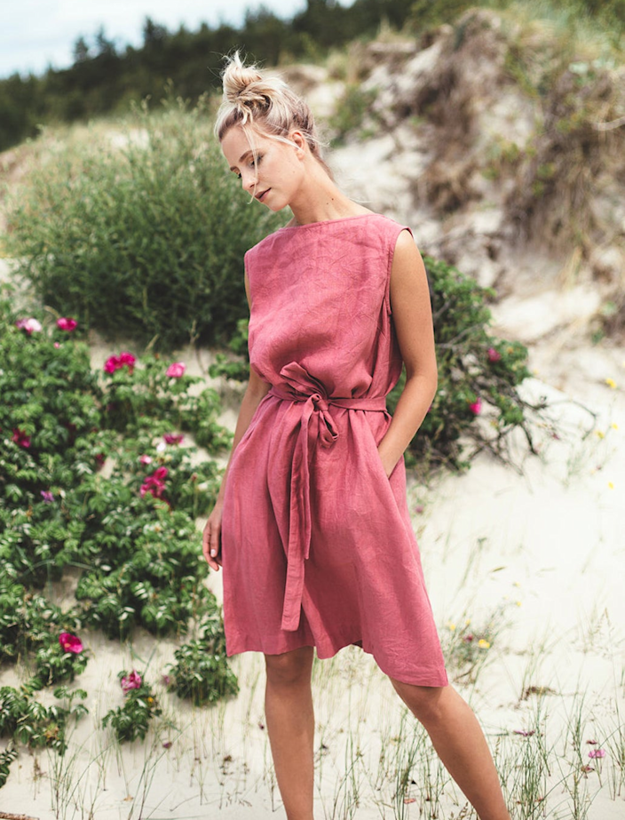 """<h2>Linen Fox Nida Dress<br></h2><br><strong><em>The Freewheelin' Frock<br></em></strong><br>The forgiving silhouette and convertible belt of this easy linen dress means it can be styled to the wearer's specifications. Reviewers love that it could be tight or loose, depending on their mood.<br><br><strong>The Hype:</strong> 5 out of 5 stars; 149 reviews on Etsy.com<br><br><strong>What They're Saying:</strong> """"The fabric is gorgeous, with a beautiful drape. It's a very simple shape with a lot of fabric; the belt is what gives it shape and you can fuss with the fabric to make it lay right so it flatters your particular shape. This means it will be comfortable on bloaty days or if you gain a few pounds. The quality is excellent and I'm sure it will last a very long time. I have a feeling I'm going to be living in this dress for a while. I couldn't be happier with my purchase."""" — Gavagirl, Etsy.com reviewer<br><br><em>Shop <strong><a href=""""https://www.etsy.com/shop/Linenfox?ref=simple-shop-header-name&listing_id=540197787"""" rel=""""nofollow noopener"""" target=""""_blank"""" data-ylk=""""slk:Linenfox"""" class=""""link rapid-noclick-resp"""">Linenfox</a></strong> on Etsy</em><br><br><strong>Linenfox</strong> Nida Dress, $, available at <a href=""""https://go.skimresources.com/?id=30283X879131&url=https%3A%2F%2Fwww.etsy.com%2Flisting%2F540197787%2Fnida-dress-back-v-neck-linen-dress"""" rel=""""nofollow noopener"""" target=""""_blank"""" data-ylk=""""slk:Etsy"""" class=""""link rapid-noclick-resp"""">Etsy</a>"""