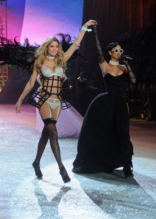 Victoria's Secret Angel Doutzen Kroes and singer Rihanna onstage during the 2012 Victoria's Secret Fashion Show