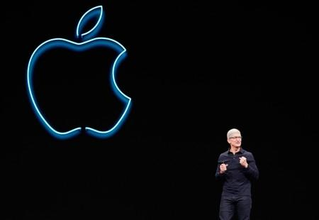 Apple challenges Google, Facebook for web login, touts privacy