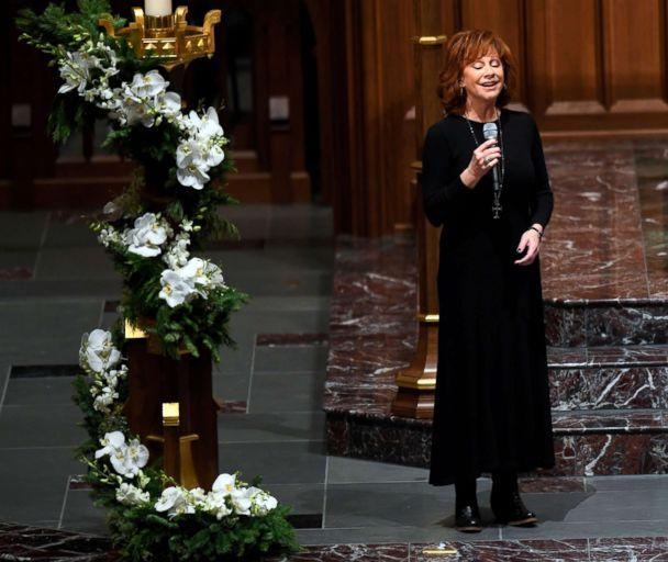 PHOTO: Reba McEntire performs at funeral service for former President George H.W. Bush at St. Martin's Episcopal Church in Houston, Dec. 6, 2018. (Jack Gruber/USA Today Network)