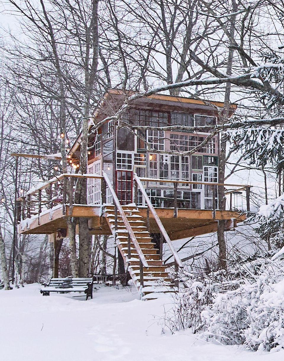 """<p>This upstate New York picturesque perch, owned by <em>Treehouse Masters'</em> Christina Salway, is constructed from roughly 75 salvaged windows.</p><p><a class=""""link rapid-noclick-resp"""" href=""""https://www.amazon.com/Tiny-House-Living-Building-Square/dp/1440333165/?tag=syn-yahoo-20&ascsubtag=%5Bartid%7C10050.g.1887%5Bsrc%7Cyahoo-us"""" rel=""""nofollow noopener"""" target=""""_blank"""" data-ylk=""""slk:SHOP TINY HOUSE BOOKS"""">SHOP TINY HOUSE BOOKS</a></p>"""