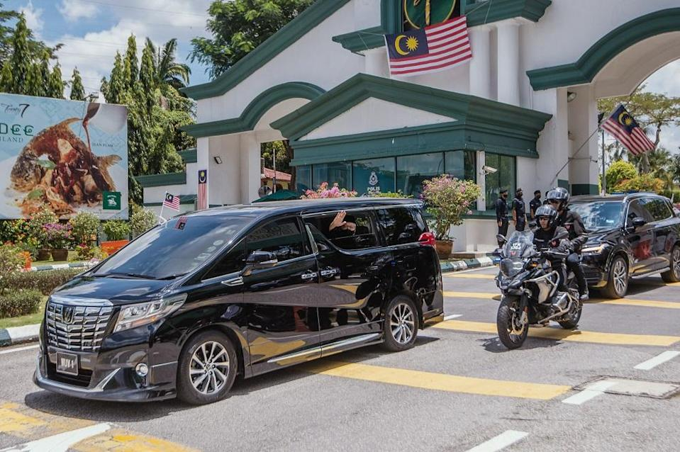 Prime Minister Datuk Seri Ismail Sabri Yaakob makes his way to Istana Negara for the swearing-in ceremony in Kuala Lumpur August 21, 2021. ― Picture by Shafwan Zaidon