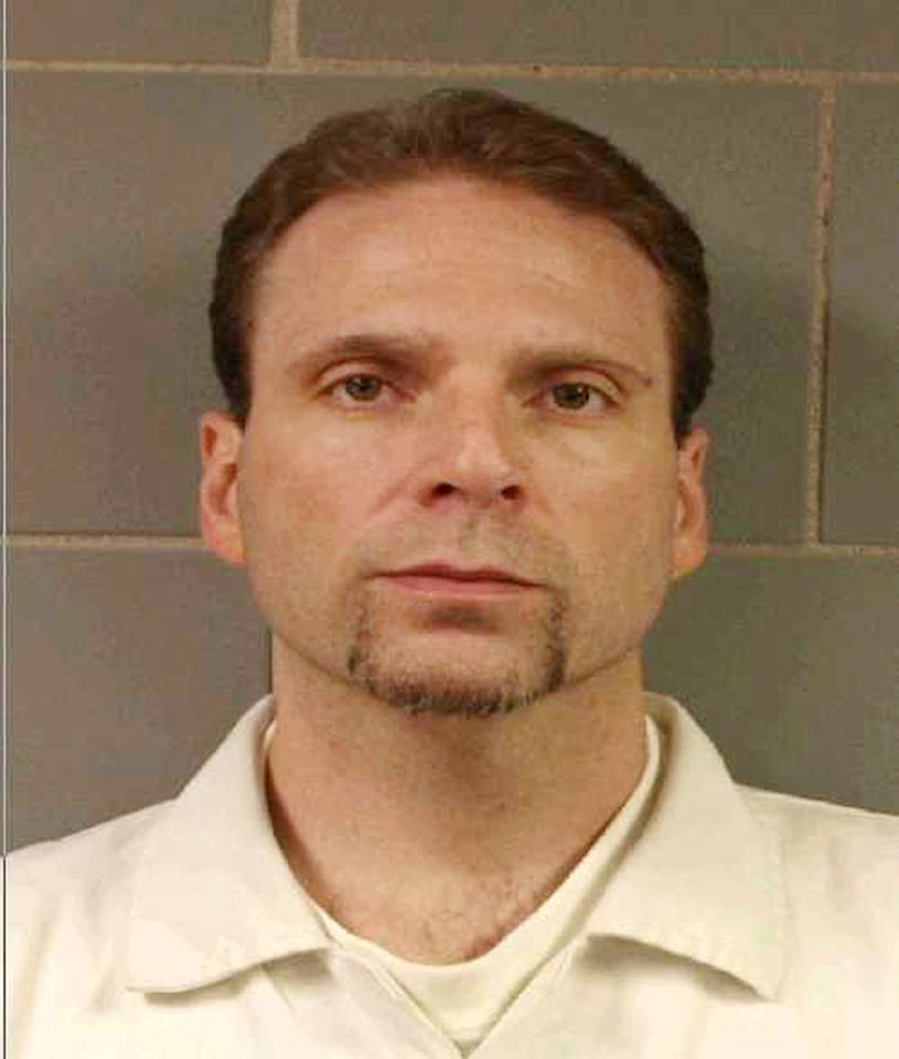 This undated photo provided by the FBI shows , Kenneth Conley one of two inmates who escaped from the Metropolitan Correctional Center in downtown Chicago Tuesday, Dec. 18, 2012. Chicago Police Sgt. Michael Lazarro says their disappearance was discovered at about 8:45 Tuesday morning. Lazarro says the pair used a rope or bed sheets to climb from the building. (AP Photo/FBI,HONS