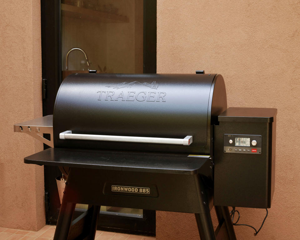traeger grills ironwood 885 review - Credit: Peter Ash Lee