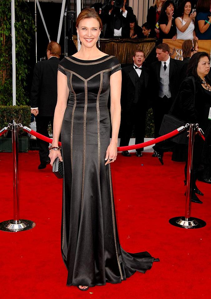 """""""Desperate Housewives"""" narrator Brenda Strong emphasizes her height with a gorgeous floor-length gown. Steve Granitz/<a href=""""http://www.wireimage.com"""" target=""""new"""">WireImage.com</a> - January 27, 2008"""