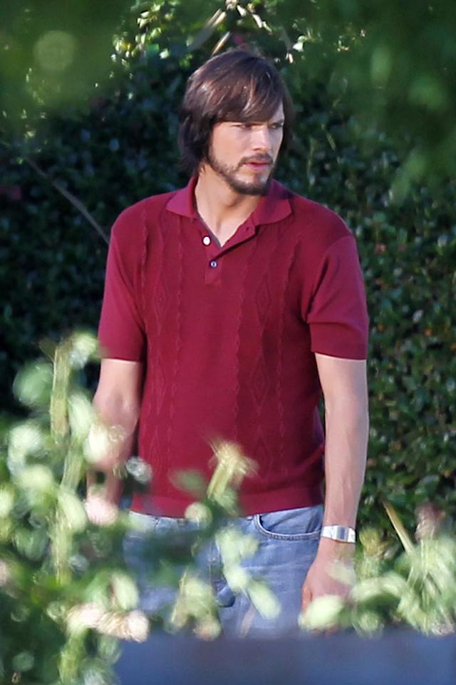 Ashton Kutcher and Dermot Mulroney filming 'Jobs,' Ashton is playing Steve Jobs.