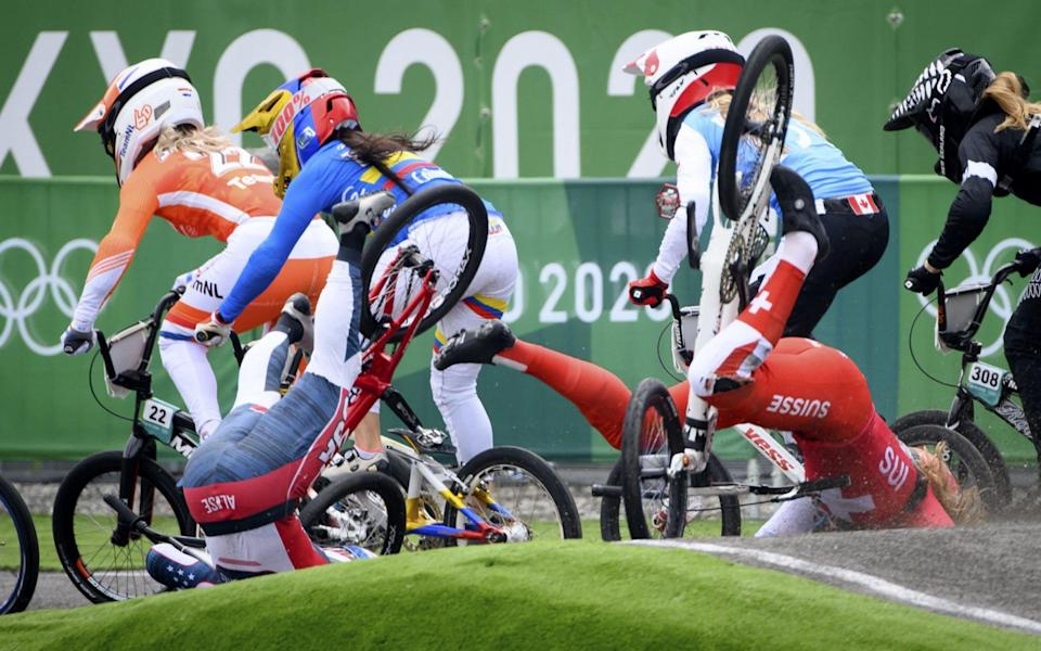Zoe Claessen (R) of Switzerland and Alise Willoughby (L) of USA crash - Shutterstock