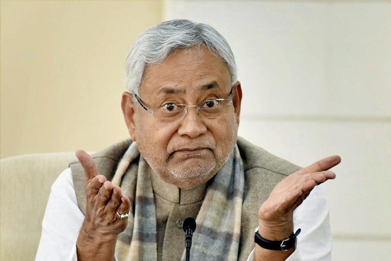 Nitish Kumar Takes a Leaf out of PM Modi's Book, Holds 'Chai pe Charcha'