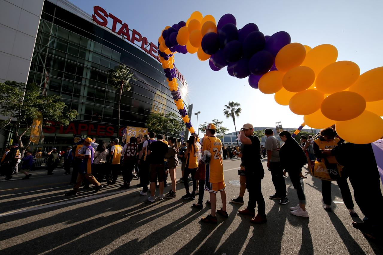 Kobe Bryant fans show up in full force to final game